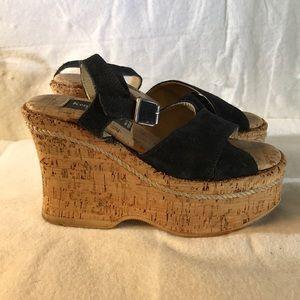 Kenneth Cole New York platform wedges sandals Sz 5